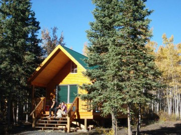 Meadow-cabin-&-couple-#2-yukon-cabin